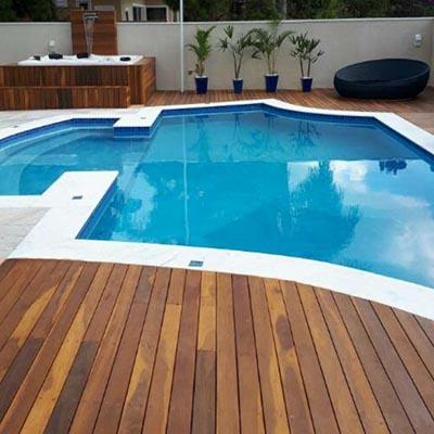 Deck de madeira para piscina em Guarulhos